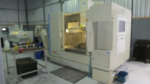 CENTRO DE USINAGEM HARDINGE BRIDGEPORT GX800 COM 4° EIXO